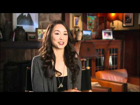 Spencer Hastings Outfits - YouTube