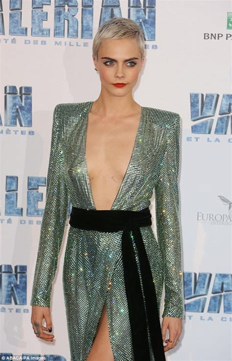 Cara Delevingne braless for Elle magazine | Daily Mail Online