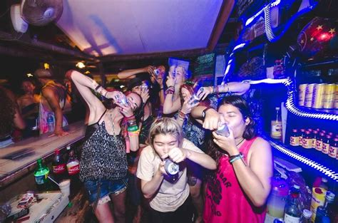 Vang Vieng Nightlife - Where to Party in 2018